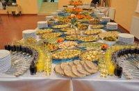 Jedzenie od firmy cateringowej